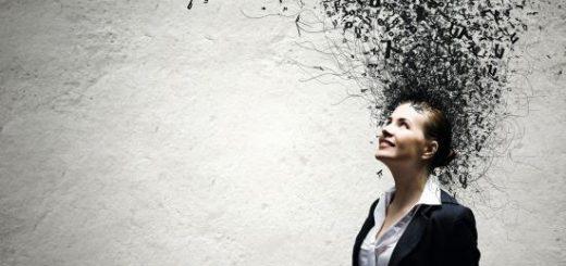 ganduri-negative-ilustratie-femeie-in-costum