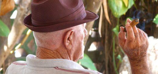 old-man-1376608_960_720